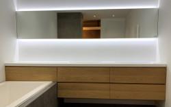 OUTLET Ex showroommodel Badmeubelset 196cm  + blinde plaat 100cm massief eiken + spiegel 296cm + wastafel 296cm solidsurface 1208953050